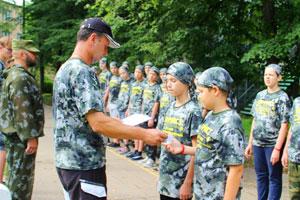 Парады, построения и линейки в детском военно-спортивном лагере